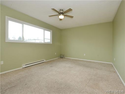 Photo 13: 130 984 Dunford Avenue in VICTORIA: La Langford Proper Townhouse for sale (Langford)  : MLS® # 361292