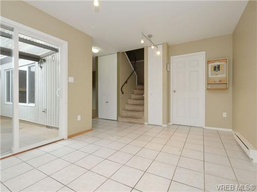 Photo 10: 130 984 Dunford Avenue in VICTORIA: La Langford Proper Townhouse for sale (Langford)  : MLS® # 361292