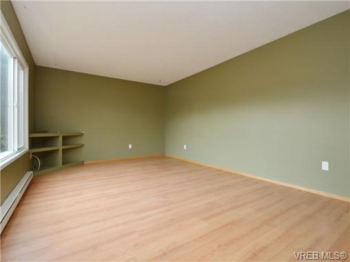 Photo 7: 130 984 Dunford Avenue in VICTORIA: La Langford Proper Townhouse for sale (Langford)  : MLS(r) # 361292