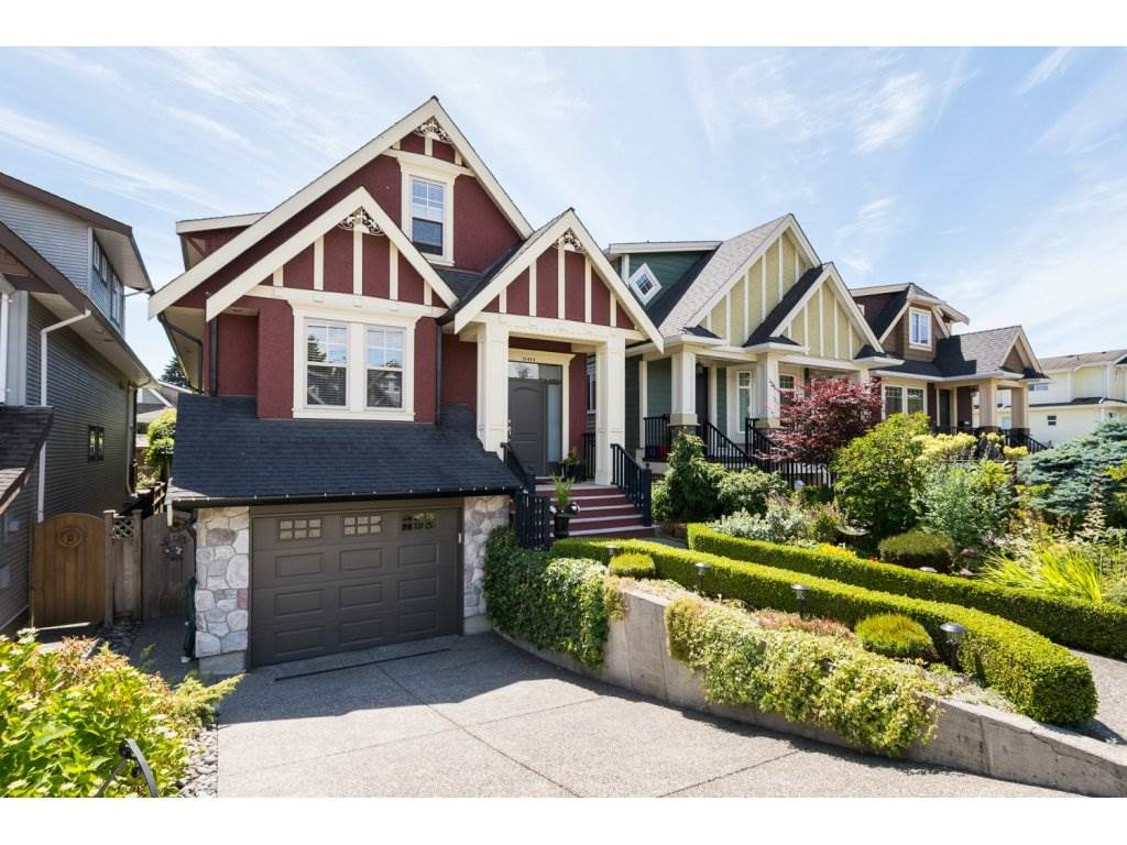Main Photo: 15454 GOGGS Avenue: White Rock House for sale (South Surrey White Rock)  : MLS®# R2080241