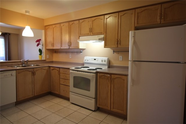 Photo 14: 119 2945 Thomas Street in Mississauga: Central Erin Mills Condo for sale : MLS(r) # W3591593
