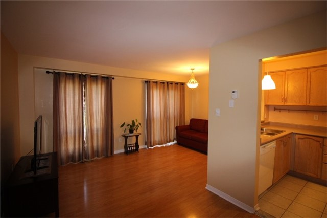 Photo 16: 119 2945 Thomas Street in Mississauga: Central Erin Mills Condo for sale : MLS(r) # W3591593