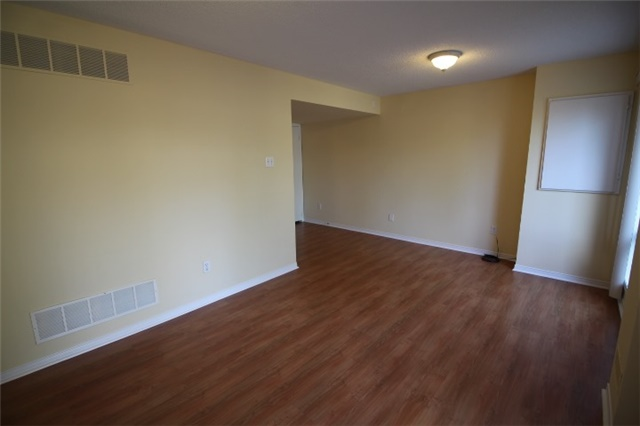 Photo 10: 119 2945 Thomas Street in Mississauga: Central Erin Mills Condo for sale : MLS(r) # W3591593