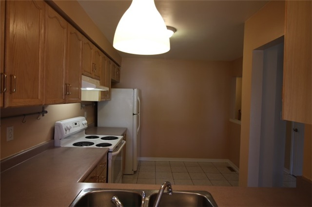 Photo 15: 119 2945 Thomas Street in Mississauga: Central Erin Mills Condo for sale : MLS(r) # W3591593