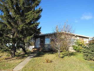 Main Photo: 10906 51 Avenue in Edmonton: Zone 15 House Half Duplex for sale : MLS(r) # E4041823