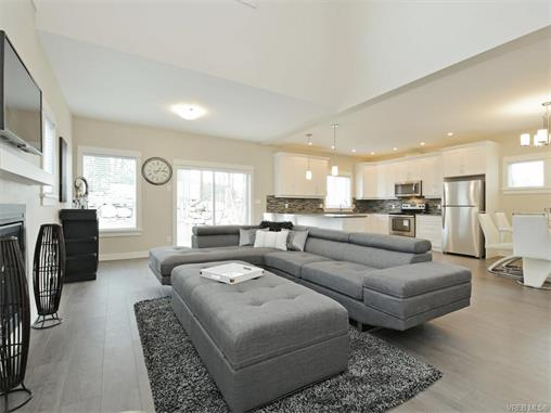 Photo 4: 2394 Lund Road in VICTORIA: VR Six Mile Single Family Detached for sale (View Royal)  : MLS® # 372713