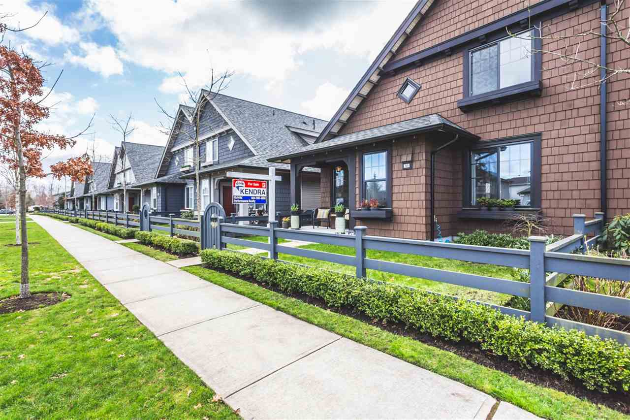 "Main Photo: 95 6450 187 Street in Surrey: Cloverdale BC Townhouse for sale in ""Hillcrest"" (Cloverdale)  : MLS®# R2150316"