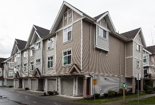 "Main Photo: 7 9405 121 Street in Surrey: Queen Mary Park Surrey Townhouse for sale in ""Redleaf Crescent"" : MLS®# R2154591"