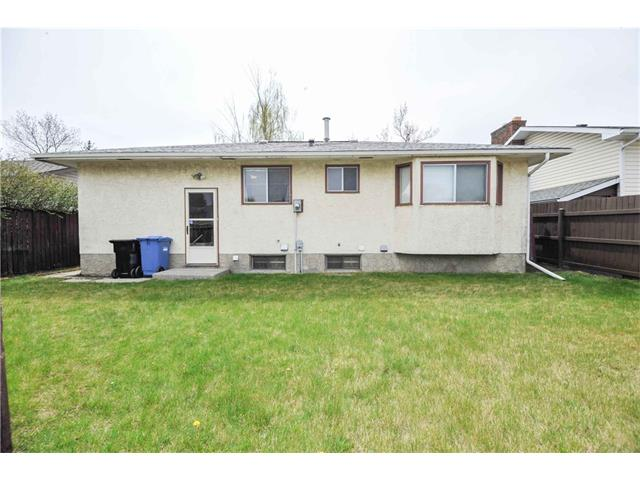 Photo 25: 224 PINEMILL RD NE in Calgary: Pineridge House for sale : MLS® # C4115594