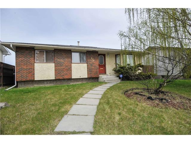 Main Photo: 224 PINEMILL RD NE in Calgary: Pineridge House for sale : MLS® # C4115594