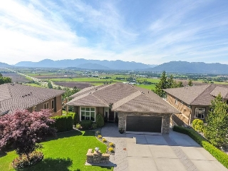 "Main Photo: 179 51075 FALLS Court in Chilliwack: Eastern Hillsides House for sale in ""Emerald Ridge"" : MLS(r) # R2174069"