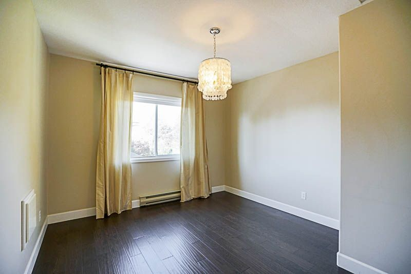 "Photo 13: Photos: 34953 ORION Place in Abbotsford: Abbotsford East House for sale in ""McMillan"" : MLS® # R2217213"