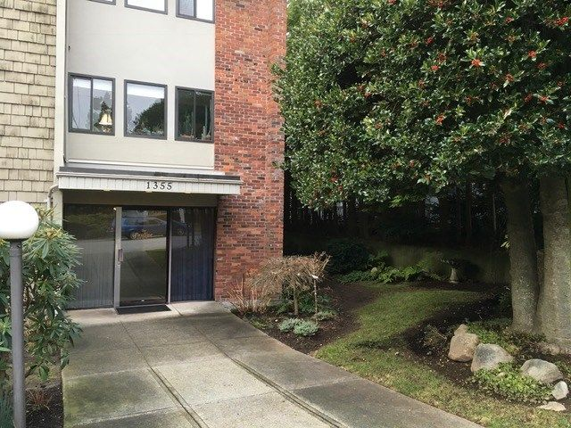 "Main Photo: 303 1355 FIR Street: White Rock Condo for sale in ""The Pauline"" (South Surrey White Rock)  : MLS®# R2231036"