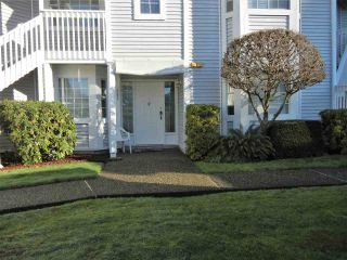"Main Photo: 803 9139 154 Street in Surrey: Fleetwood Tynehead Townhouse for sale in ""Lexington Square"" : MLS® # R2231852"
