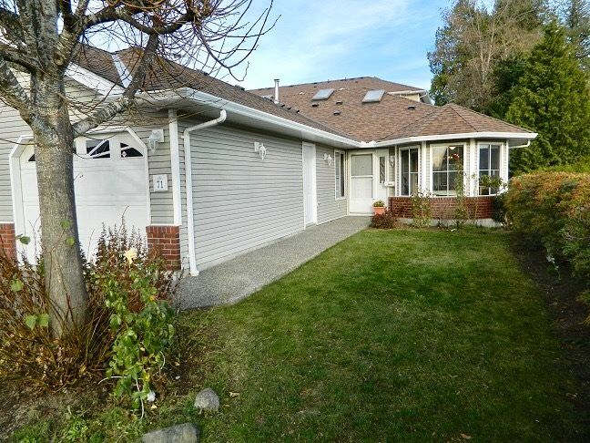 Photo 2: Photos: 71 1973 WINFIELD Drive in Abbotsford: Abbotsford East Townhouse for sale : MLS® # R2243445