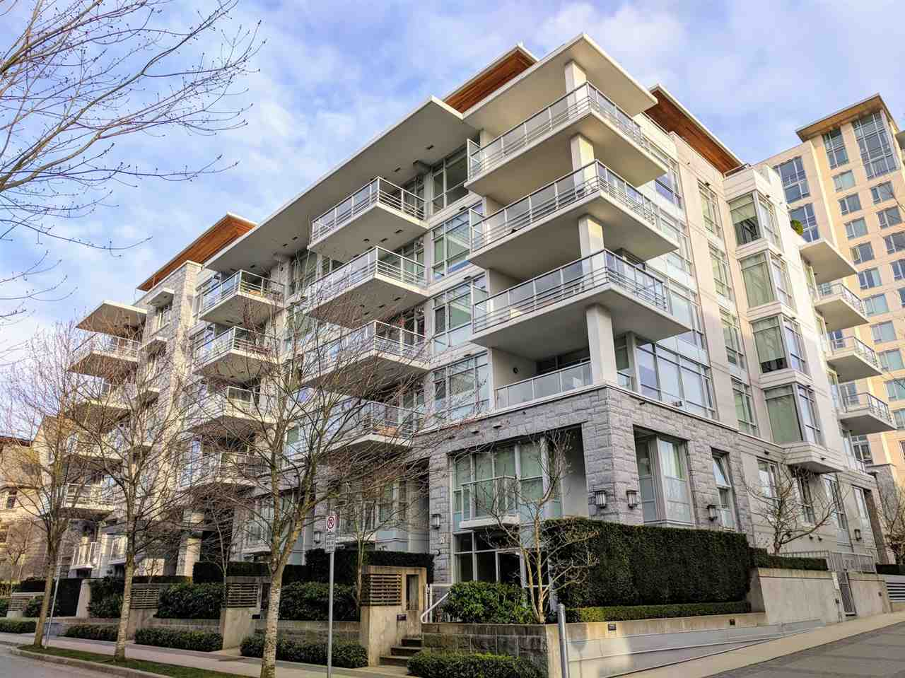 "Main Photo: 305 6080 IONA Drive in Vancouver: University VW Condo for sale in ""Stirling House"" (Vancouver West)  : MLS®# R2246869"