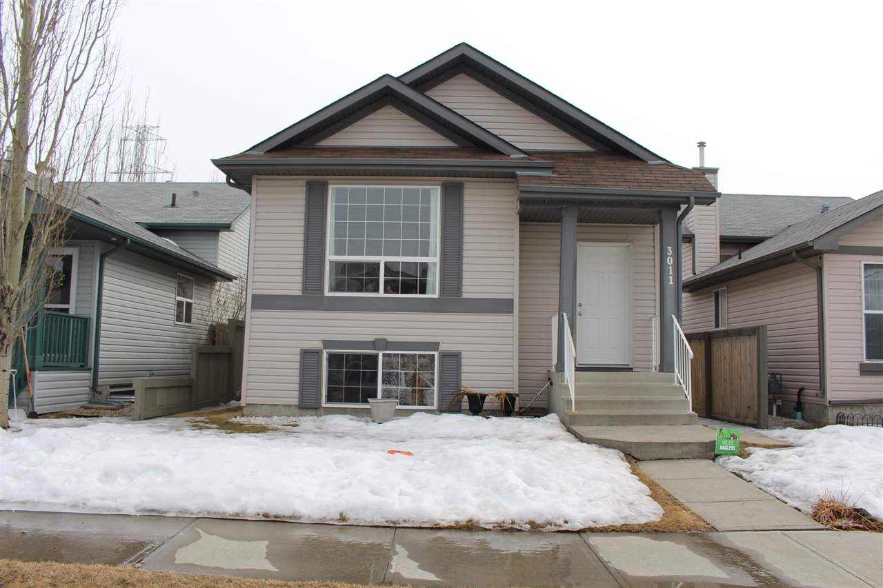 Main Photo: 3011 32 Avenue NW in Edmonton: Zone 30 House for sale : MLS®# E4105835