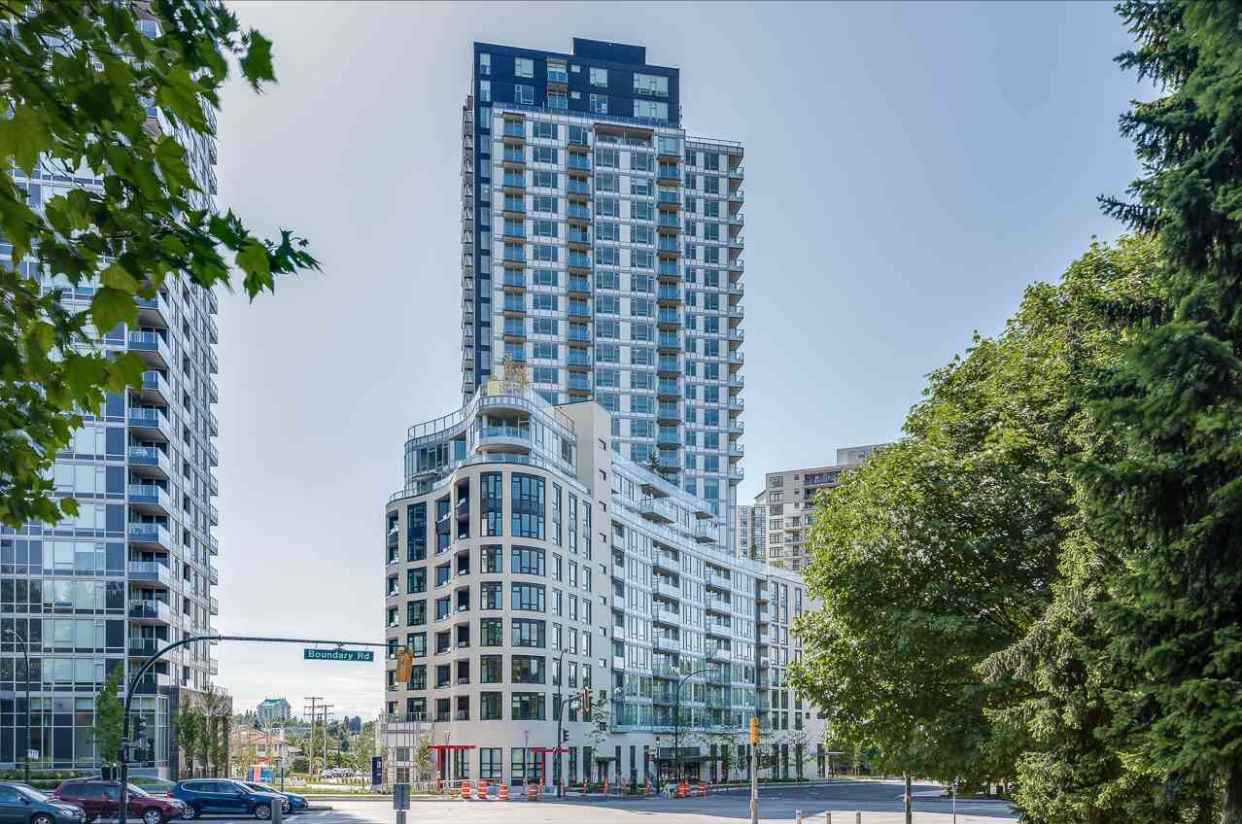 "Main Photo: 2608 5470 ORMIDALE Street in Vancouver: Collingwood VE Condo for sale in ""WALL CENTRE CENTRAL PARK TOWER 3"" (Vancouver East)  : MLS®# R2280713"