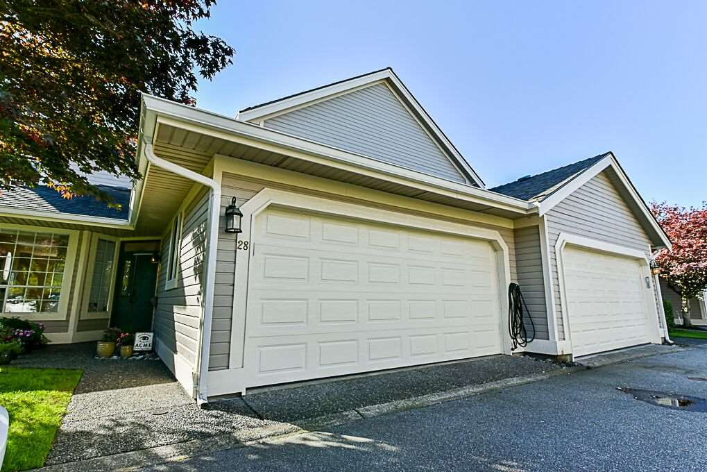 "Main Photo: 28 6380 121 Street in Surrey: Panorama Ridge Townhouse for sale in ""For3st Ridge"" : MLS®# R2312623"