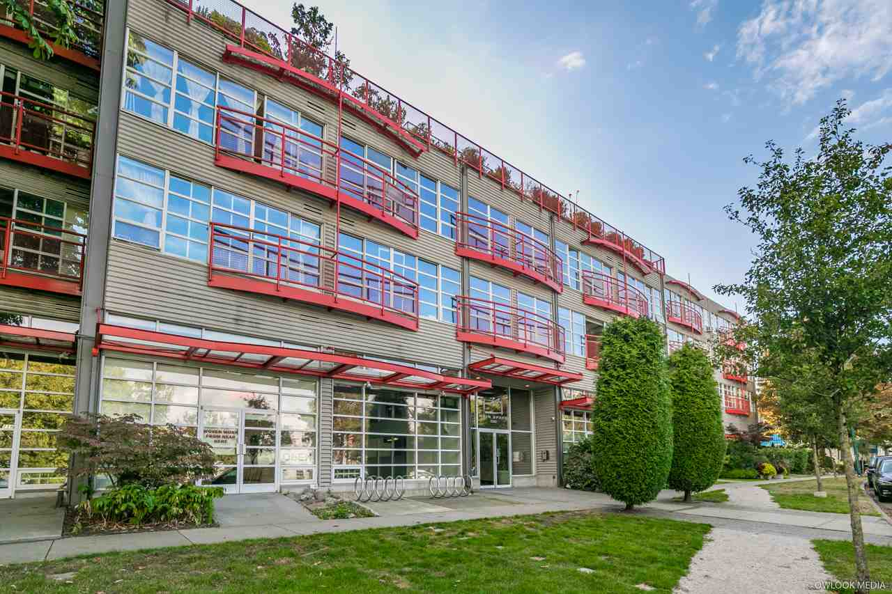 "Main Photo: 323 350 E 2ND Avenue in Vancouver: Mount Pleasant VE Condo for sale in ""MainSpace"" (Vancouver East)  : MLS®# R2315910"