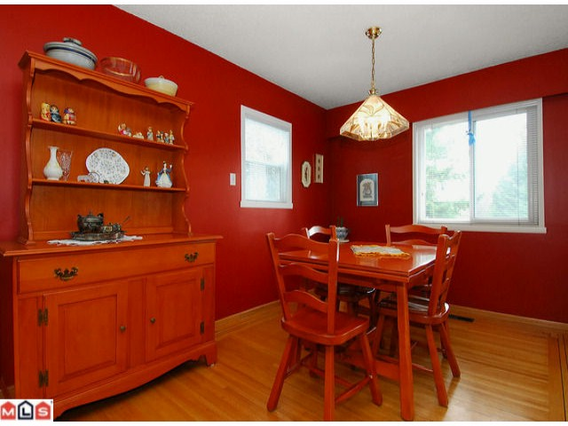 Photo 3: 2274 153A Street in Surrey: King George Corridor House for sale (South Surrey White Rock)  : MLS(r) # F1107990