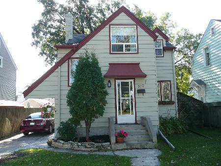 Main Photo: 910 Fleet Avenue: Residential for sale (Crescentwood)  : MLS(r) # 2818574