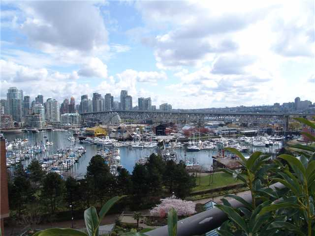 Main Photo: 1002 1470 PENNYFARTHING Drive in Vancouver: False Creek Condo for sale (Vancouver West)  : MLS® # V942703