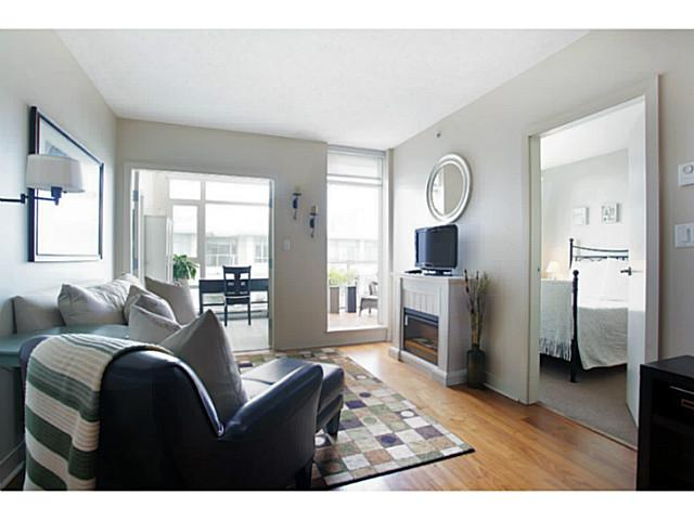 Main Photo: # 707 2228 W BROADWAY ST in Vancouver: Kitsilano Condo for sale (Vancouver West)  : MLS® # V1016637