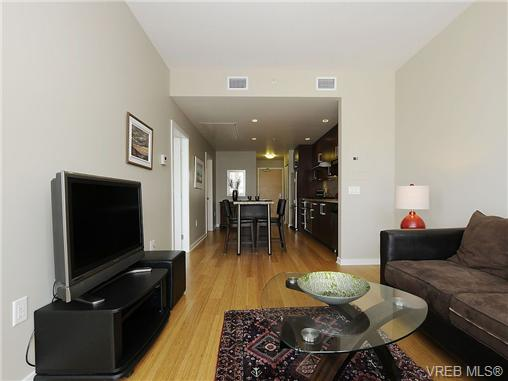 Photo 11: 504 379 Tyee Road in VICTORIA: VW Victoria West Condo Apartment for sale (Victoria West)  : MLS® # 334069