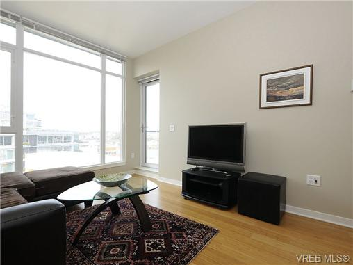 Photo 6: 504 379 Tyee Road in VICTORIA: VW Victoria West Condo Apartment for sale (Victoria West)  : MLS® # 334069