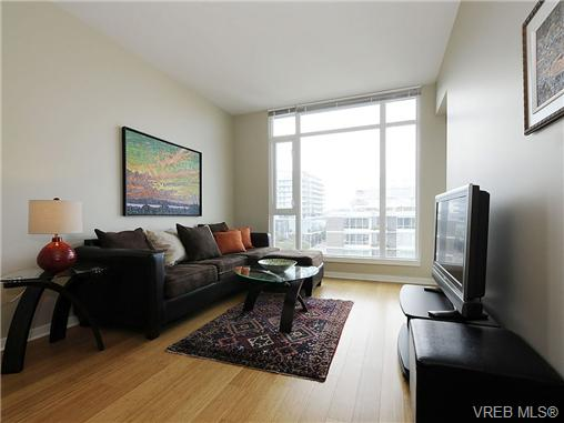 Photo 2: 504 379 Tyee Road in VICTORIA: VW Victoria West Condo Apartment for sale (Victoria West)  : MLS® # 334069