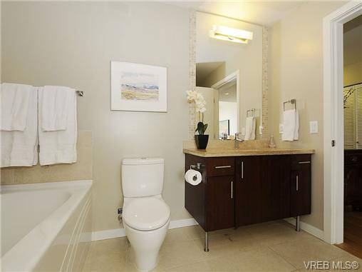 Photo 14: 504 379 Tyee Road in VICTORIA: VW Victoria West Condo Apartment for sale (Victoria West)  : MLS® # 334069