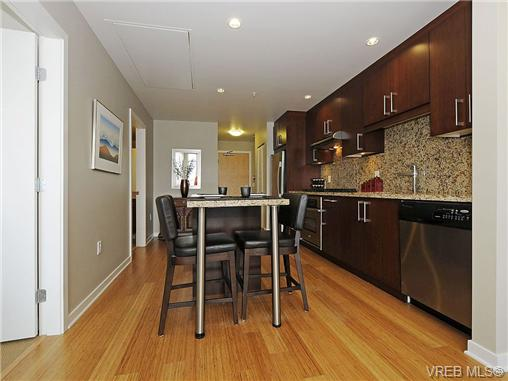 Photo 8: 504 379 Tyee Road in VICTORIA: VW Victoria West Condo Apartment for sale (Victoria West)  : MLS® # 334069