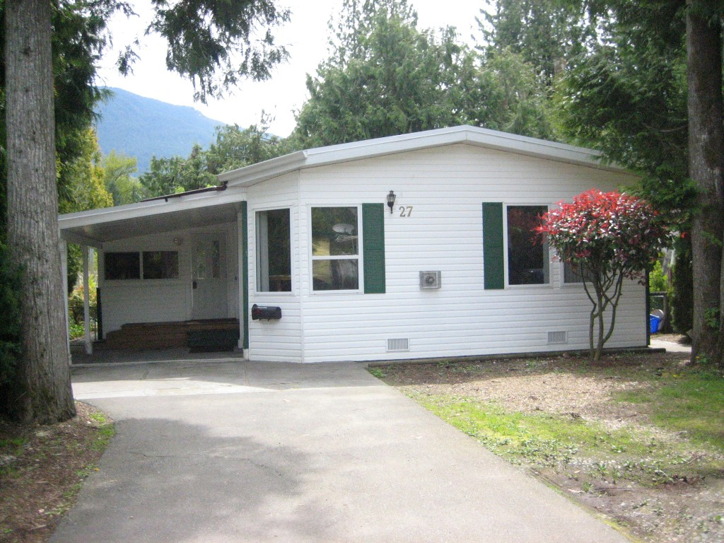 Photo 1: 27 52324 YALE Road in Chilliwack: Rosedale Popkum Manufactured Home for sale (Rosedale)  : MLS® # H1401734