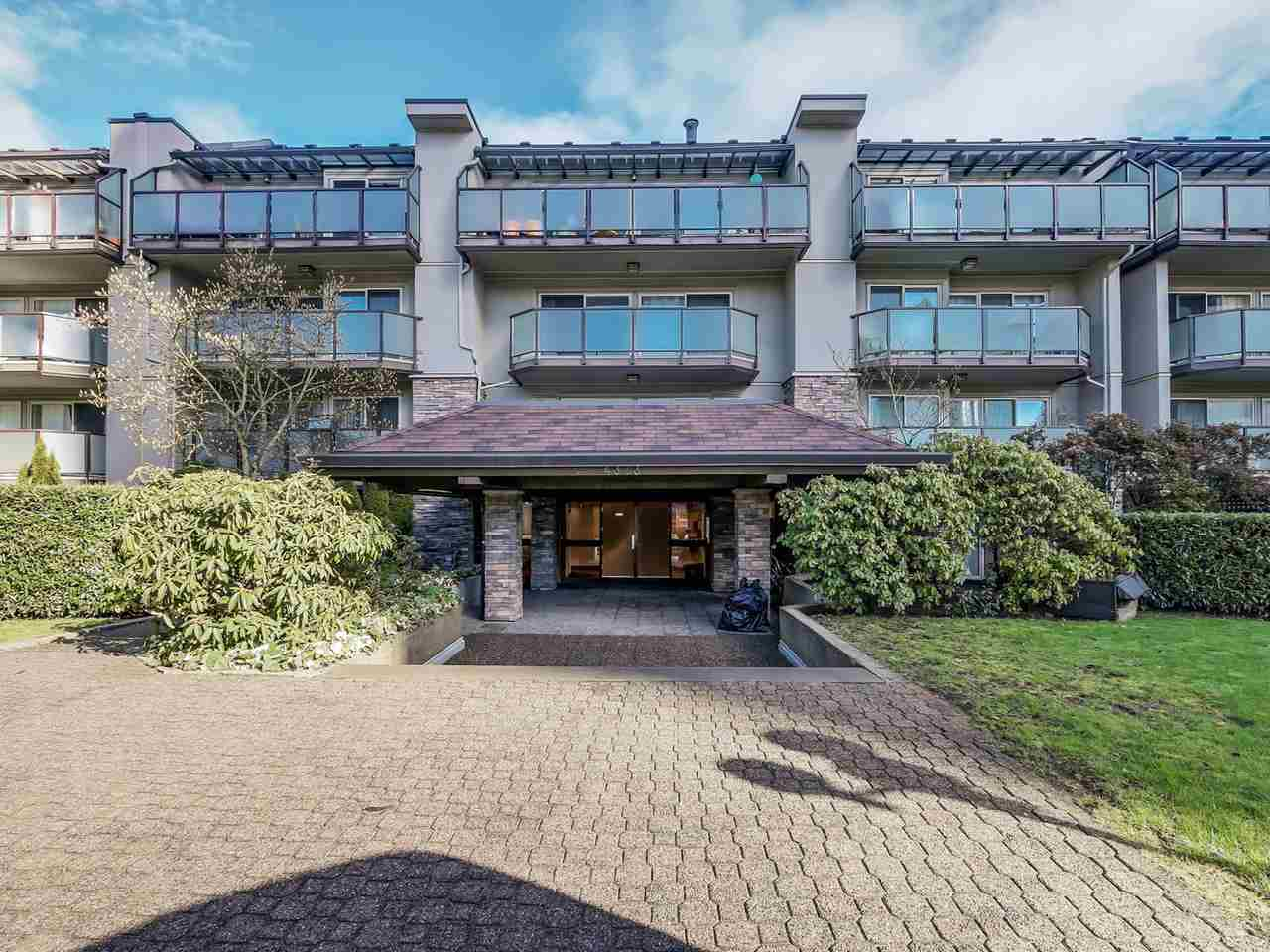 "Main Photo: 208 4373 HALIFAX Street in Burnaby: Brentwood Park Condo for sale in ""BRENT GARDENS"" (Burnaby North)  : MLS® # R2033256"