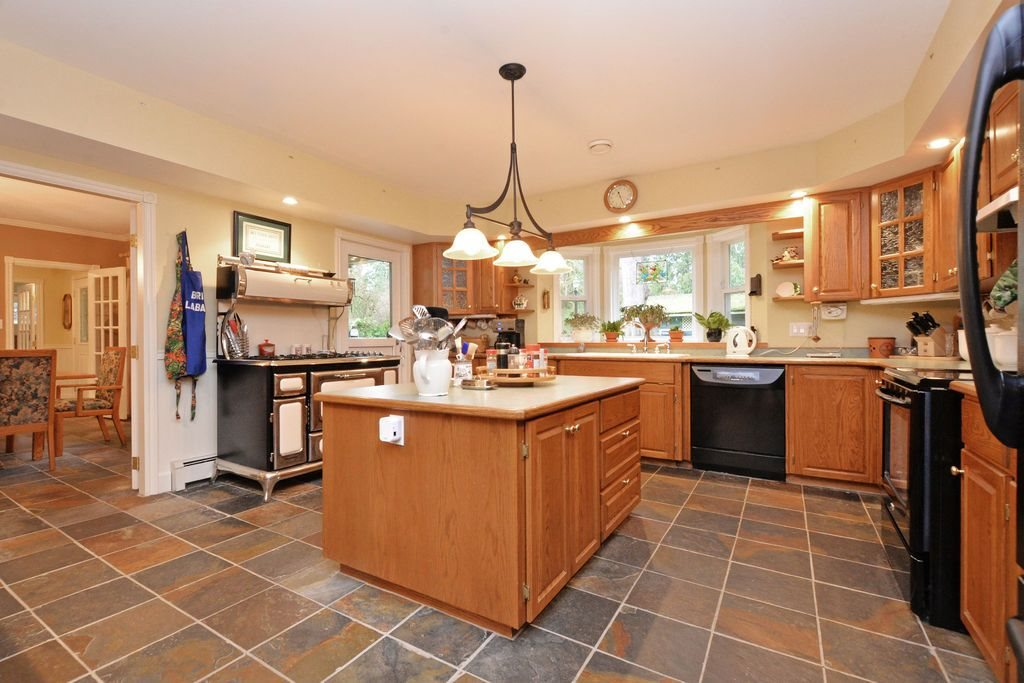 "Main Photo: 24138 FERN Crescent in Maple Ridge: Silver Valley House for sale in ""Silver Valley"" : MLS® # R2043047"