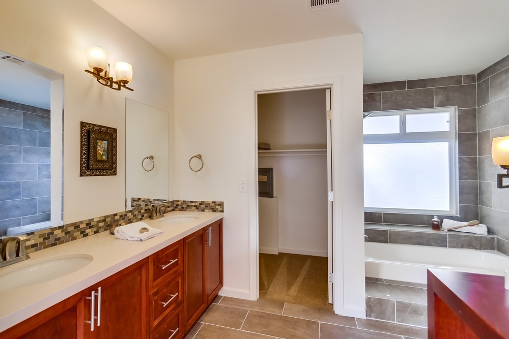Photo 11: CARLSBAD WEST Manufactured Home for sale : 2 bedrooms : 7109 Santa Barbara #104 in Carlsbad