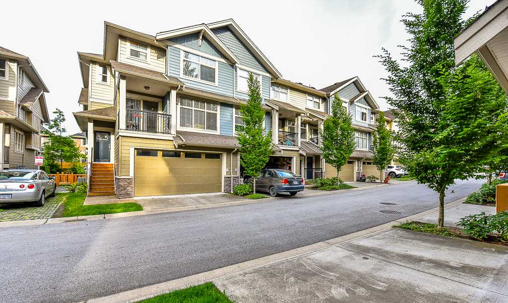 "Main Photo: 51 22225 50 Avenue in Langley: Murrayville Townhouse for sale in ""MURRAY'S LANDING"" : MLS® # R2075998"