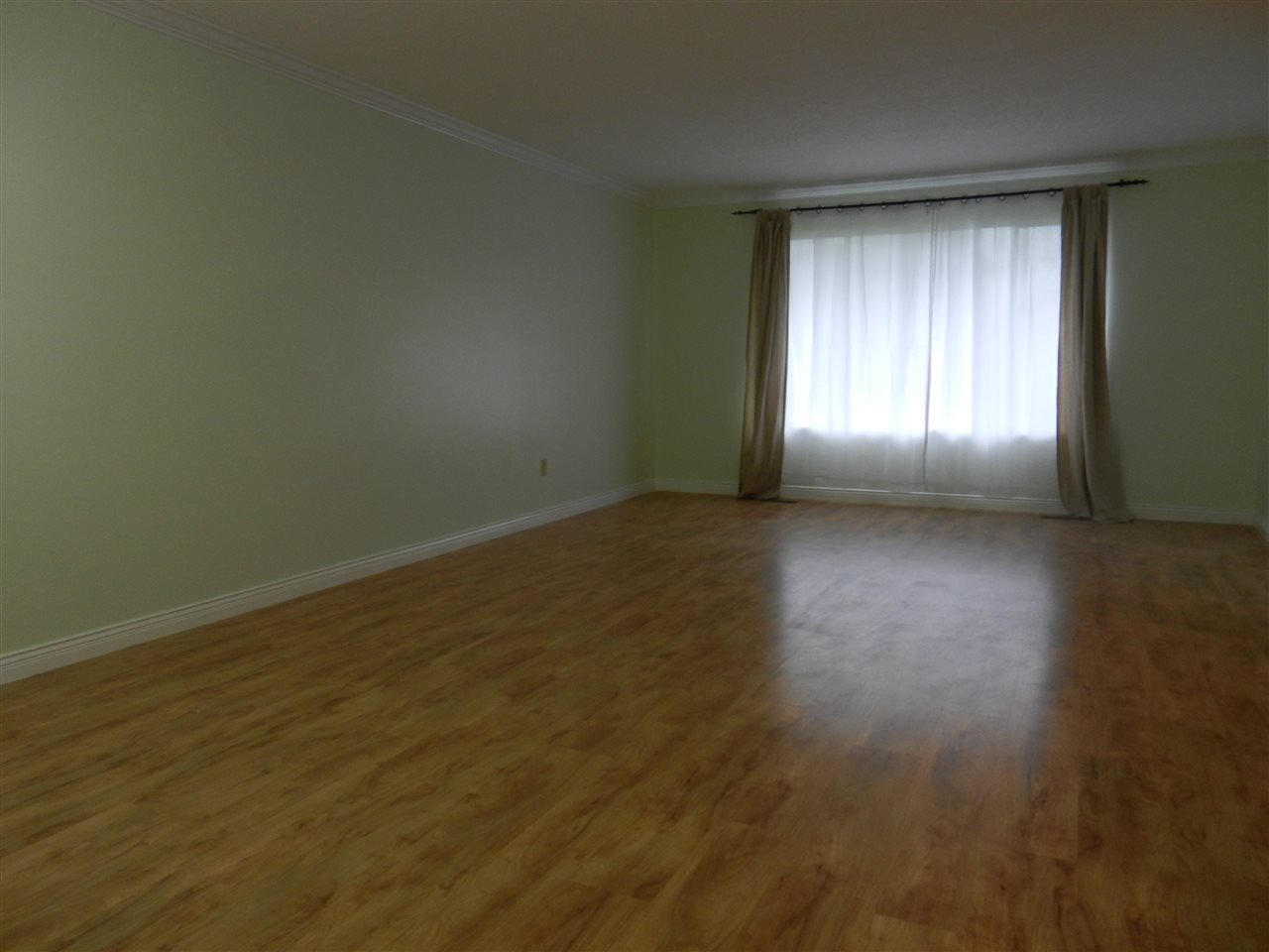 Photo 2: 3164 FREY Place in Port Coquitlam: Glenwood PQ House for sale : MLS® # R2113902