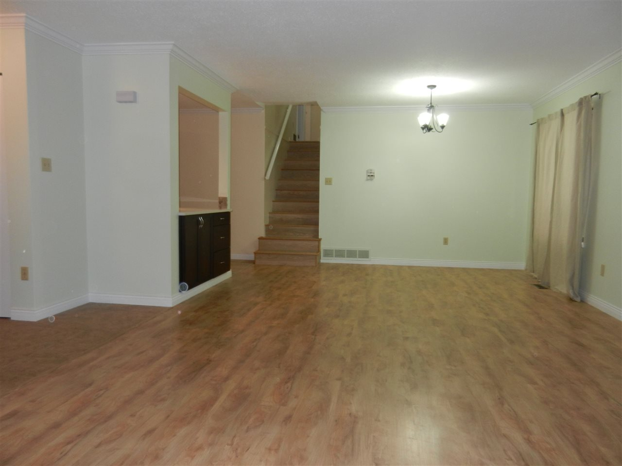 Photo 3: 3164 FREY Place in Port Coquitlam: Glenwood PQ House for sale : MLS® # R2113902