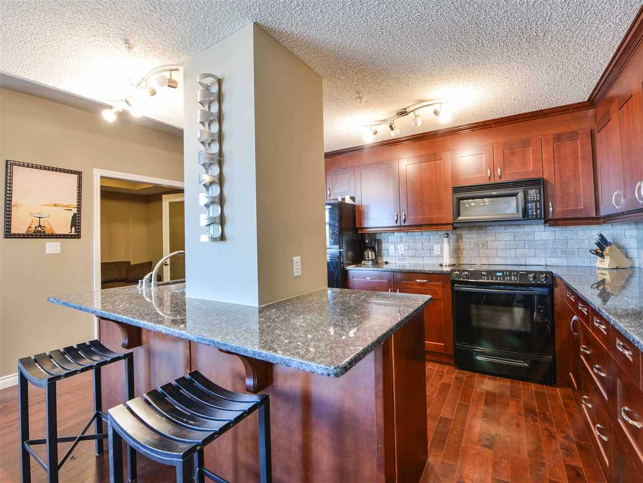 Photo 5: 1007 9020 Jasper Avenue Edmonton Downtown Condo One Bed & Den E4046832