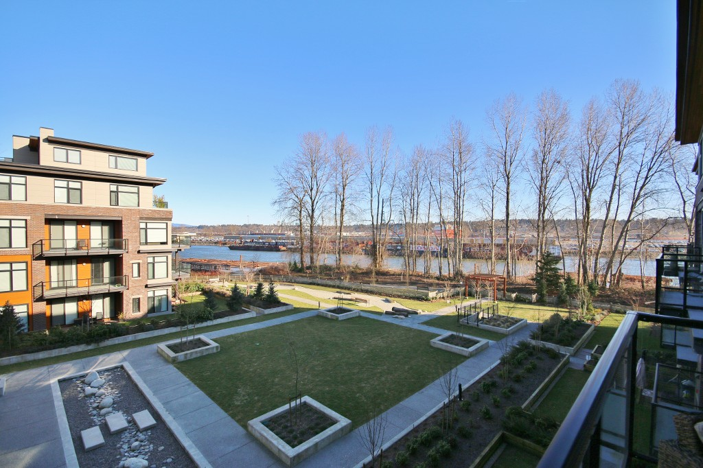 "Main Photo: 308 262 SALTER Street in New Westminster: Queensborough Condo for sale in ""THE PORTAGE"" : MLS®# R2137554"
