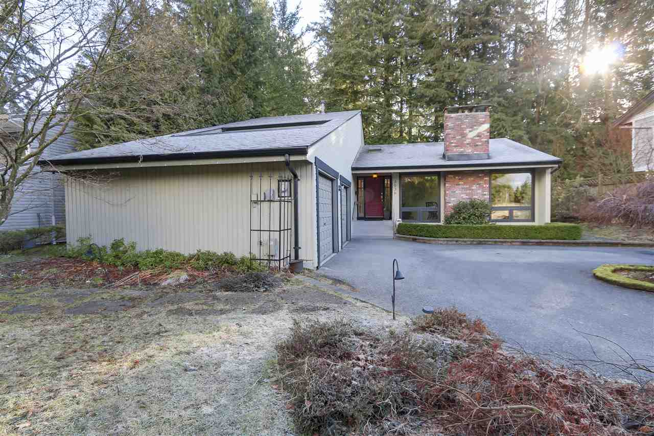 Main Photo: 3036 DUVAL Road in North Vancouver: Lynn Valley House for sale : MLS(r) # R2143747