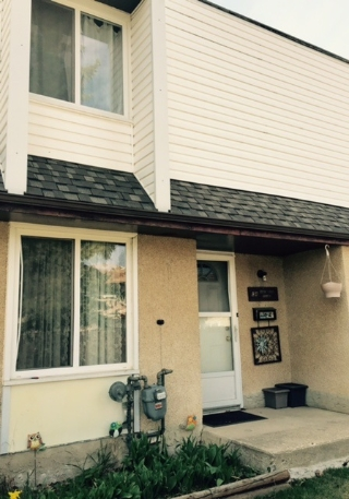 Main Photo: C4 1 GARDEN Grove Village in Edmonton: Zone 16 Townhouse for sale : MLS(r) # E4053515