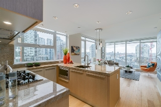 "Main Photo: 806 1351 CONTINENTAL Street in Vancouver: Downtown VW Condo for sale in ""MADDOX"" (Vancouver West)  : MLS(r) # R2147393"