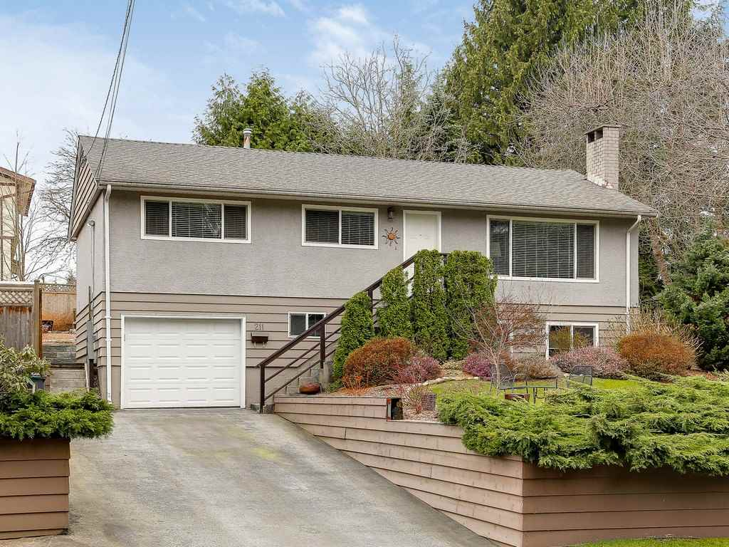 "Main Photo: 211 CLEARVIEW Drive in Port Moody: Port Moody Centre House for sale in ""CHINESIDE AREA, PORT MOODY/COQ"" : MLS(r) # R2152837"