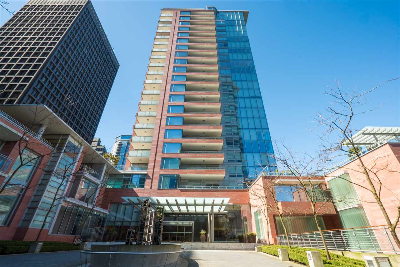 "Main Photo: 602 1169 W CORDOVA Street in Vancouver: Coal Harbour Condo for sale in ""ONE HARBOUR GREEN"" (Vancouver West)  : MLS(r) # R2153673"