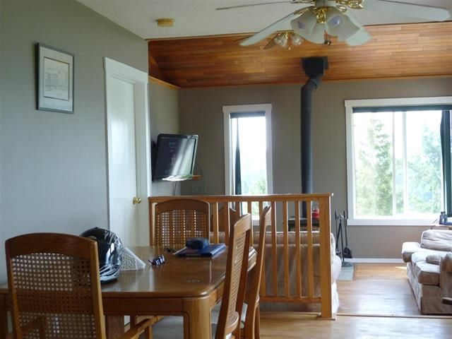 "Photo 3: Photos: 4844 HOTEL LAKE Road in Pender Harbour: Pender Harbour Egmont House for sale in ""GARDEN BAY"" (Sunshine Coast)  : MLS®# R2154492"