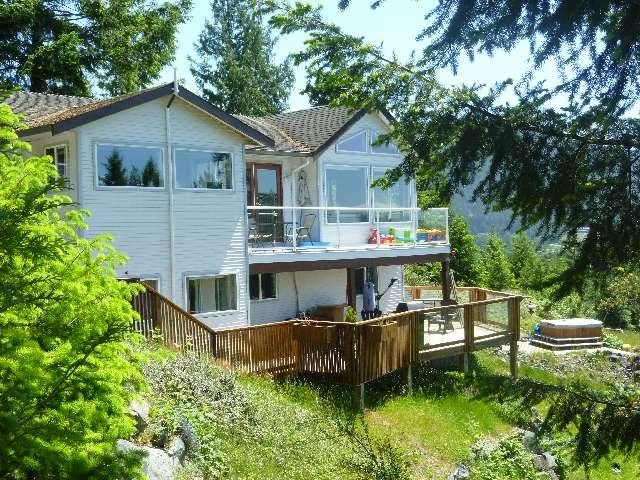 "Photo 2: Photos: 4844 HOTEL LAKE Road in Pender Harbour: Pender Harbour Egmont House for sale in ""GARDEN BAY"" (Sunshine Coast)  : MLS®# R2154492"