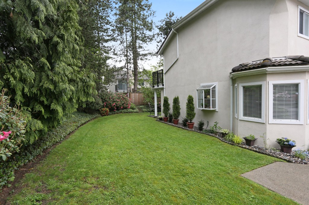 "Photo 17: 1 10050 154 Street in Surrey: Guildford Townhouse for sale in ""Woodland Grove"" (North Surrey)  : MLS® # R2169167"
